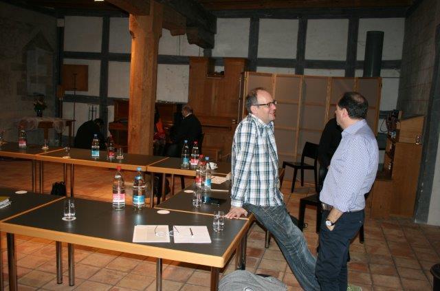 vial-grndungsversammlung-pausengesprche-foto-vom-29112014